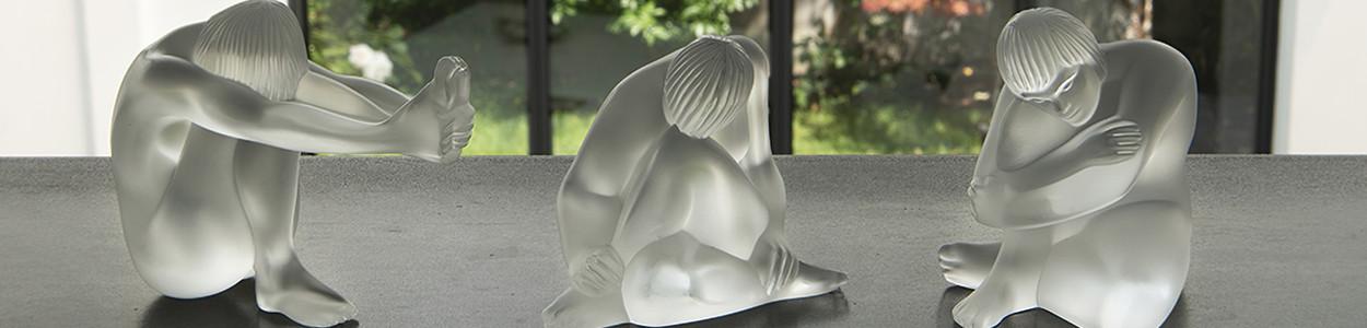 Женственные статуэтки