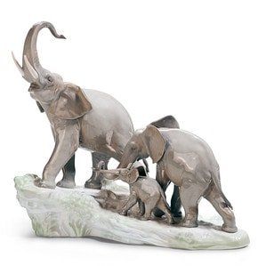 "Статуэтка ""Прогулка слонов"" 36 x 40см"