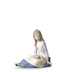 """Статуэтка """"Созерцающая молодая девушка"""" 17 x 17см"""